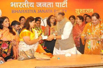 Bharti Singh and Meeta Tripathi join BJP in New Delhi