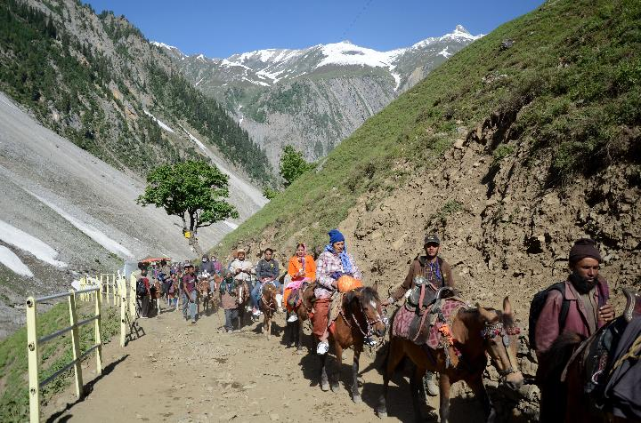 First batch of Amarnath Yatra arrives at Baltal